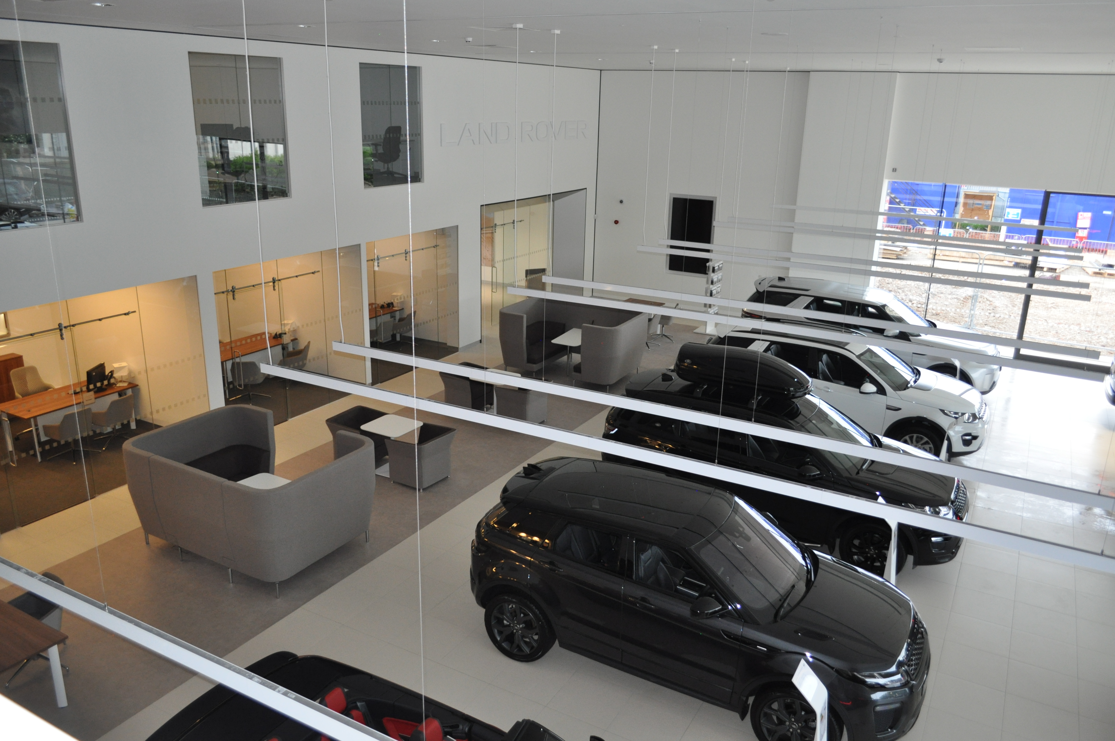 New Jaguar Land Rover Showroom Opens In Reading